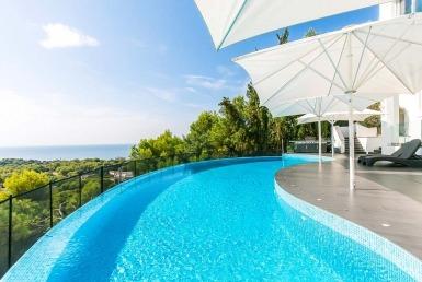 Villa with incredible views